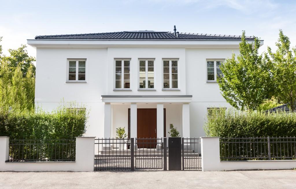 Weiße Villa